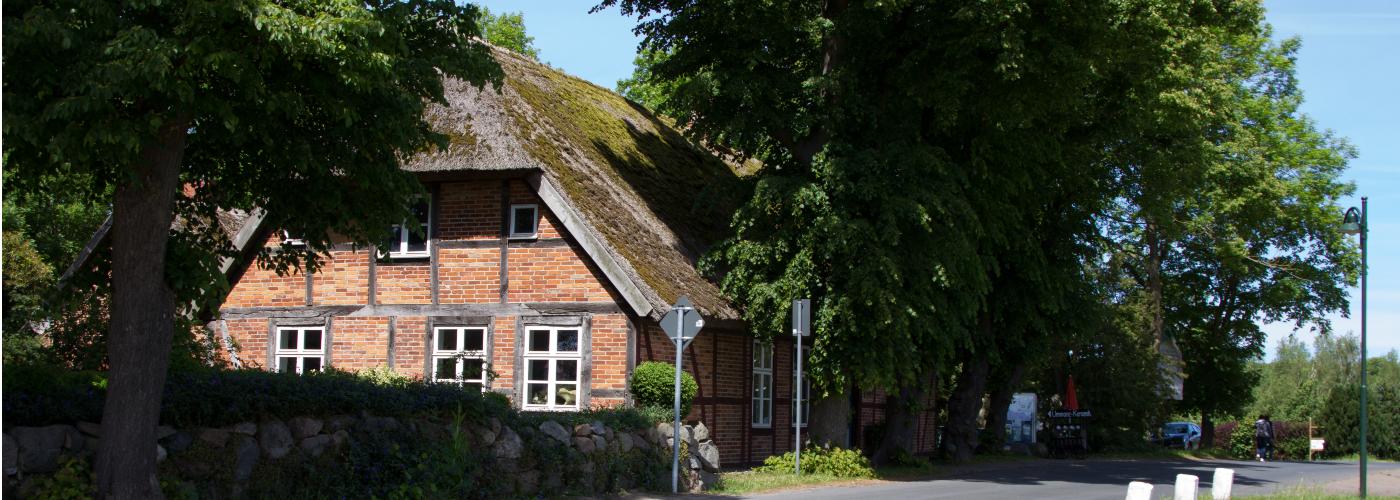 die alte Schule auf Ummanz mit der Ummanz Info
